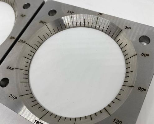 Mesurador de ángulos grabado con láser